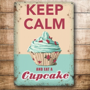 "Metalowa tabliczka retro 15 x 20 cm ""Keep Calm Eat A Cupcake"""