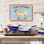 "Metalowa tabliczka retro 30 x 40 cm ""Family Butchers"""